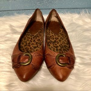 Jessica Simpson brown leather pointy toe flats